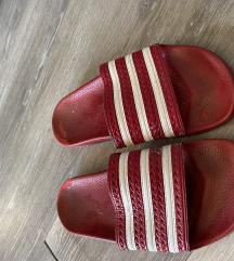 Adidas adilette crvene