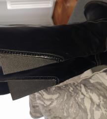 Sniženo Zara crne čizme ko nove