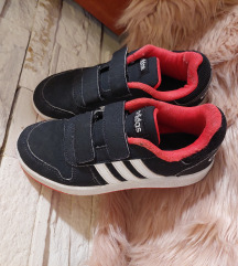 Tople Adidas oko 34/35