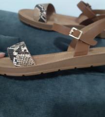 Nove ljetne sandale 38