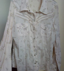 Cvjetna bluza sa čipkom