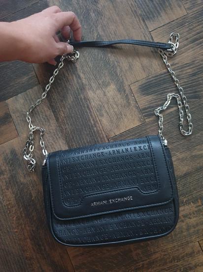Armani torbica 450kn sa slanjem AKCIJA!