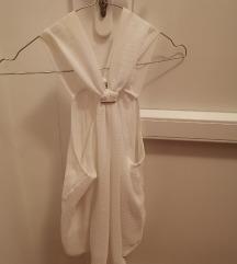 prekrasan bijeli Zara top