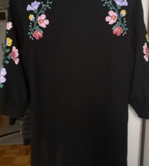 Crna haljina s cvjetovima