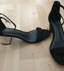Bershka crne sandale sa srebrnom petom