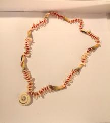 Ogrlica / lančić sa školjkama