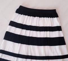 Crno bijela suknja