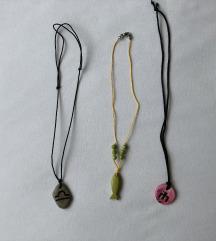 Tri ogrlice