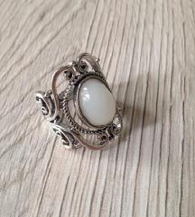 Prsten s opalom