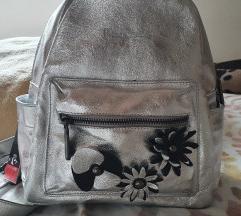 Pierre Cardin srebrni ruksak / torba sa etiketom