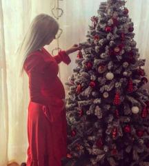 Crvena haljina s volanom