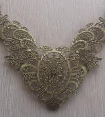 Nova čipka ogrlica
