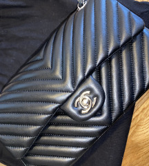 Chanel crna torbica
