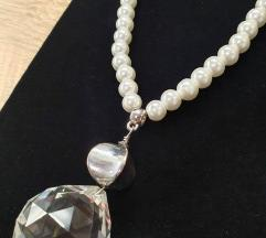 Ekskluzivna biserna ogrlica - potpuno nova!
