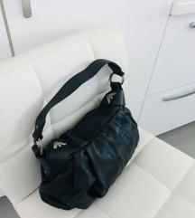 Emporio Armani crna kožna torba
