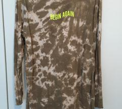 PRETTYLITTLETHING haljina/majica tie-dye efekt