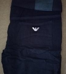 Crne Armani hlače