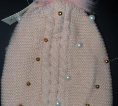 Novo kapa sa perlama