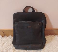 Novi crni ruksak (uklj. pt.)