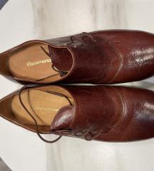 Borovo smede cipele