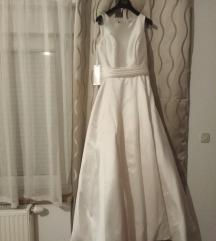 Nova vjenčanica s etiketom AKCIJA 2000kn