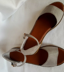 Sive sandale ,nove