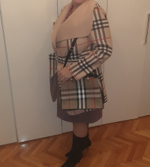 Ženska jakna like Burberry