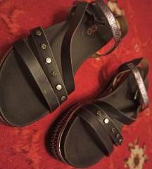 Sandale mass