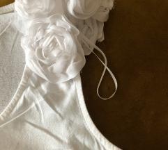 Bijela majica bez rukava s ruzicama
