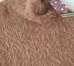 Boohoo krzneni pulover novo s etiketom