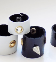 20€ Set crno/belog kozhnog prstenja