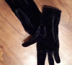 Crne barsunaste rukavice