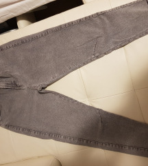 Bershka hlače 36