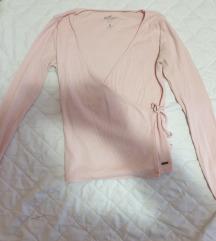 Svijetlo roza Hollister majica na preklop