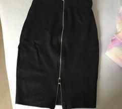 Crna midi suknja sa petentnim zatvaracem