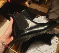 dr martens visoke cipele-novo