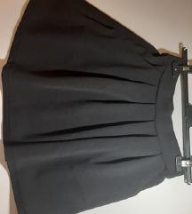 Crna suknja s džepovima