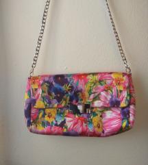Satenska torbica s cvjetnim uzorkom