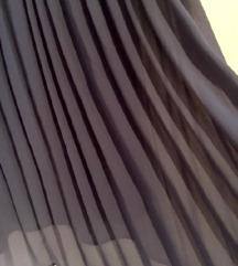 Tamnoplava plisirana suknja
