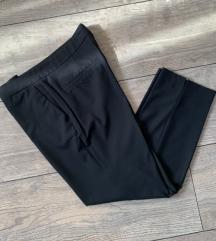 Zara klasicne crne hlače