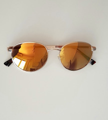 Žute sunčane naočale