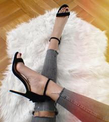 Crne otvorene sandale