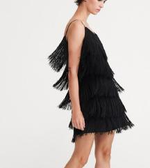 Crna haljinica sa resicama