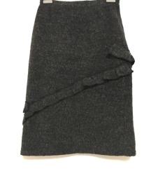 Siva topla pencil suknja s volanima