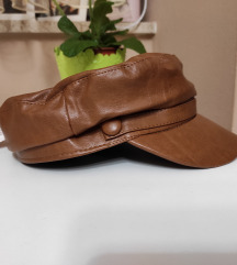 Stradivarius kožna smeđa kapa