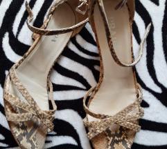 Divne Prada sandale, zmijski uzorak 35.5