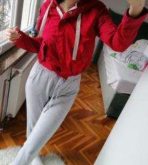 Resrved jakna crvena