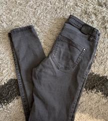 Crne Mango hlače