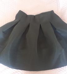 Crna puf mini suknja
