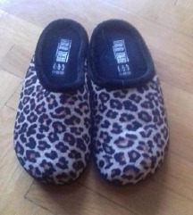 Papuče leopard uzorka